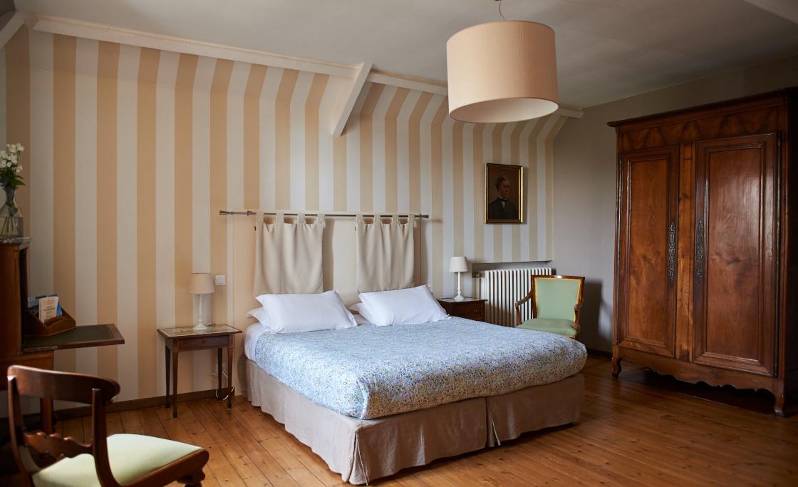 bed-and-breakfast-view-garden-tombelaine