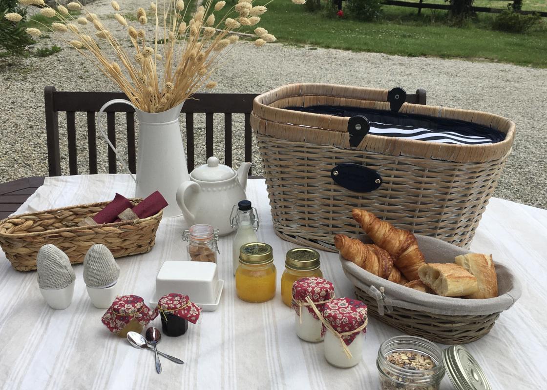 panier-petit-dejeuner-gites_A
