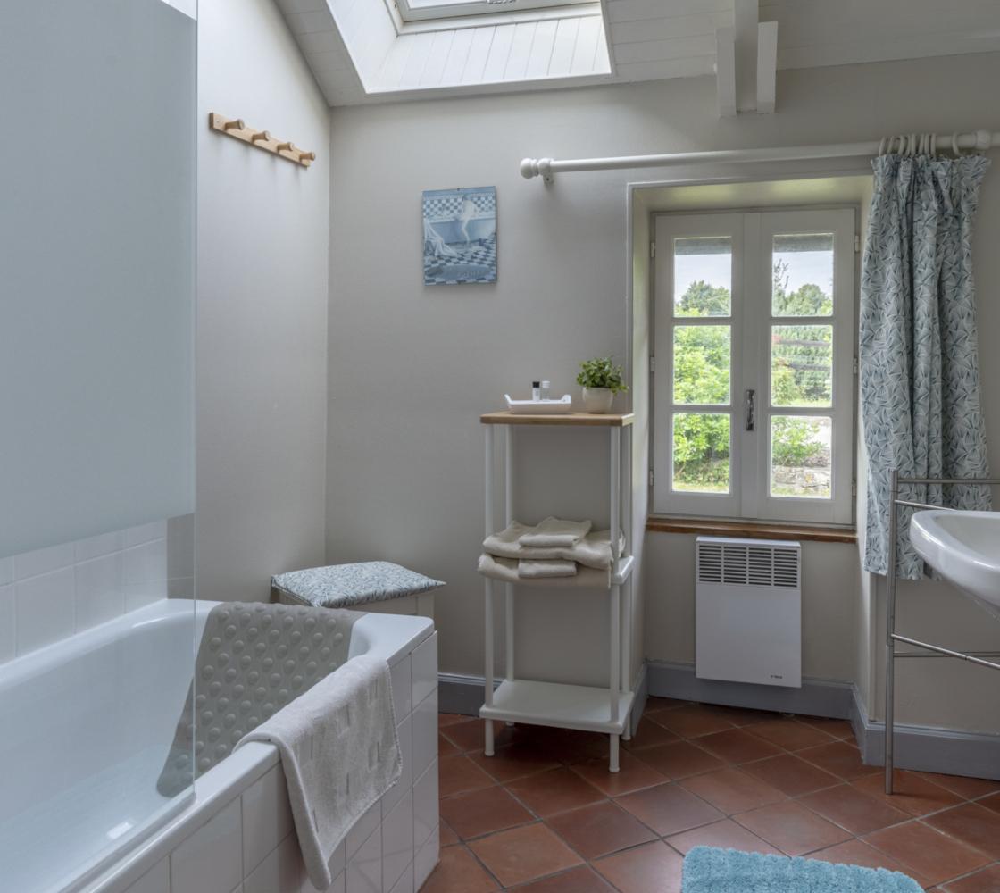 salle-de-bains-baignoire-studio-jardin