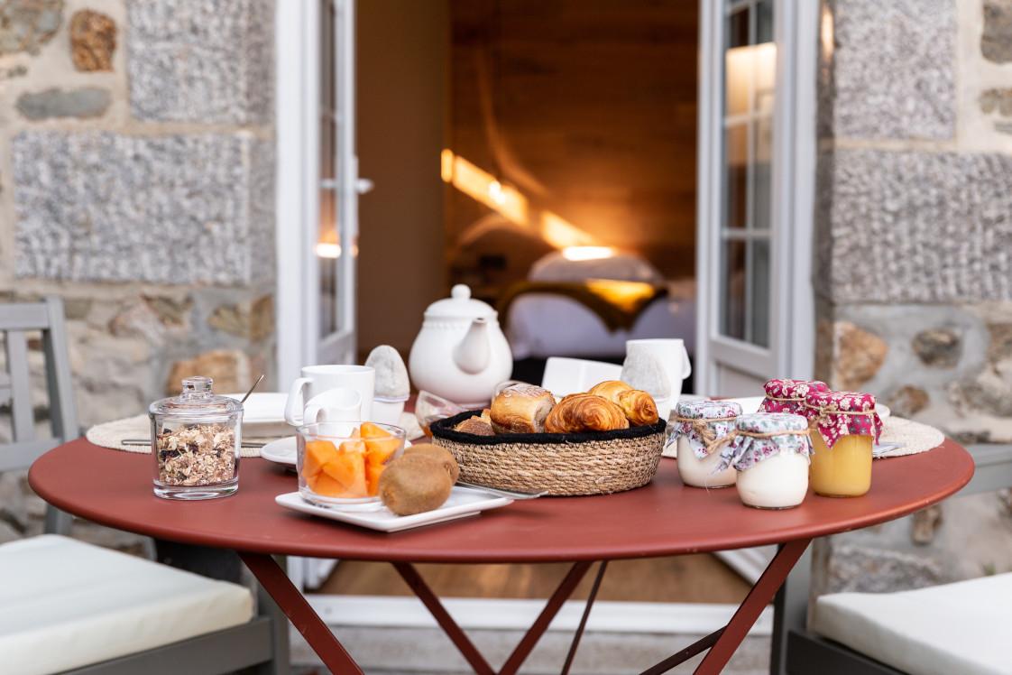 petit-dejeuner-terrasse-jardin